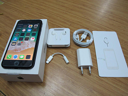 Apple iPhone 7 32GB Black_O (1)